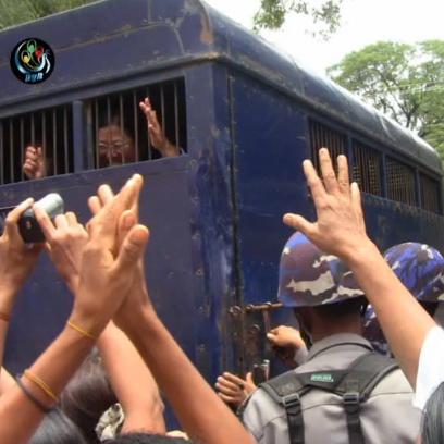 Les restrictions affectant les défenseurs des droits de l'homme doivent prendre fin immédiatement