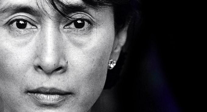 Quels compromis Aung San Suu Kyi est-elle prête à faire pour devenir présidente de la Birmanie ?