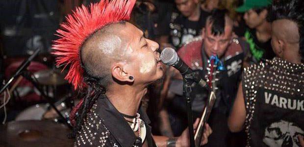 Face à l'augmentation des sans-abris, les punks se mobilisent