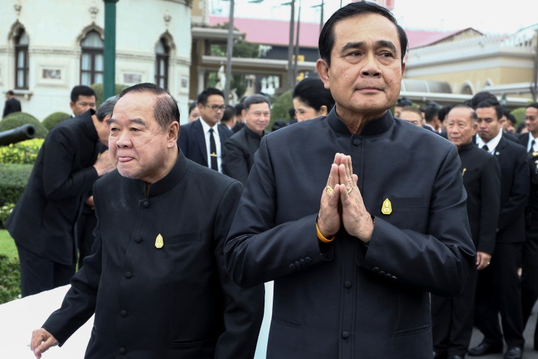 En Thaïlande, un décret de la junte militaire pousse des milliers de travailleurs migrants birmans à l'exode