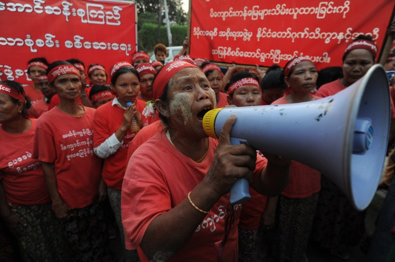 Aung San Suu Kyi réussira-t-elle à rendre aux paysans les terres qui leur ont été confisquées par les militaires ?