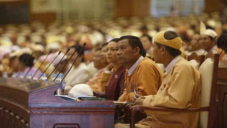 La loi interdisant l'hébergement d'invités supprimée en Birmanie