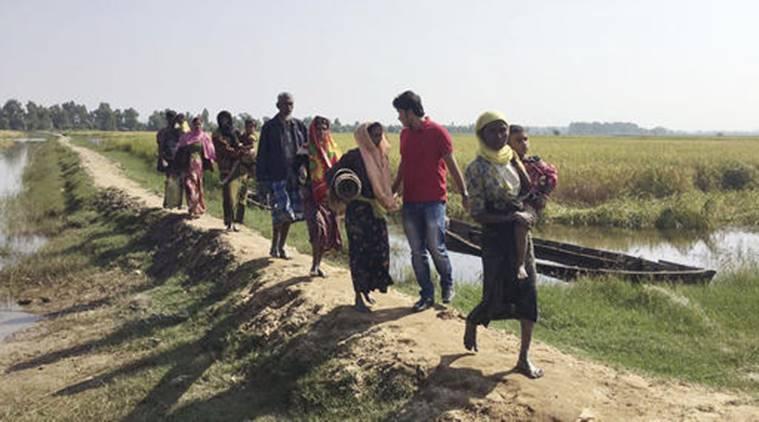 © Amnesty International, Des réfugiés Rohingya traversent la frontière avec le Bangladesh