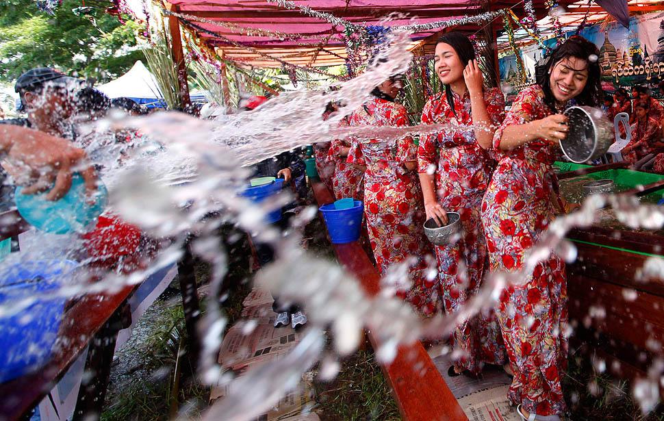 Tant que l'éducation sexuelle sera taboue en Birmanie, la fête de l'eau sera un danger pour les femmes